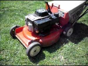 Booooo. Not my idea of a red shiny vehicle - no offense to Toro, Uncle Tom.