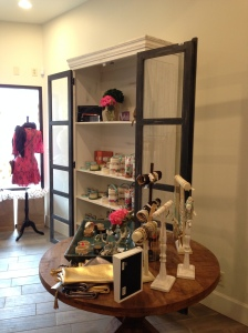Home scents, accessories and jewels!